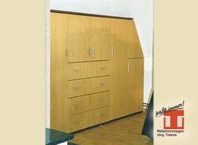 Einbauschrank im Eigenheim, Dielenmöbel mit verschließbarer Garderobe