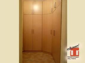 Flurmöbel maßgefertigt für schmale Eingangsbereiche in Plattenbau Wohnungen